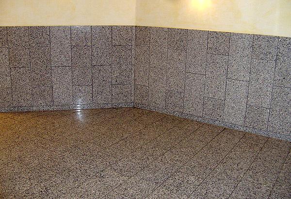 Dusche Wandverkleidung Granit : Christallo poliert in 30-iger Bahnen incl. passender Wandverkleidung